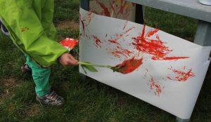 Peinture avec éléments naturels