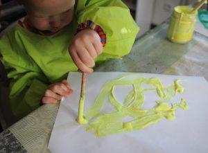 Peinture relief jaune